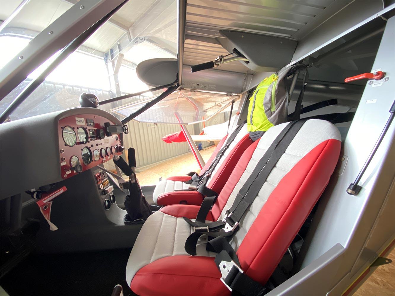 Cockpit des Ultraleichtflugzeuges Rundflug Bayern